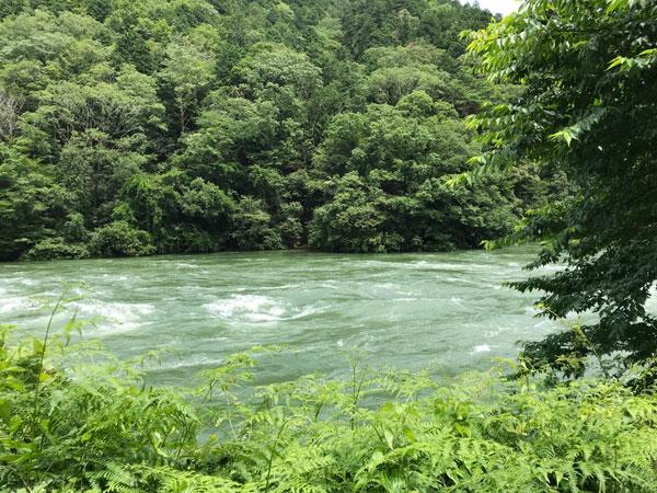増水した瀬田川