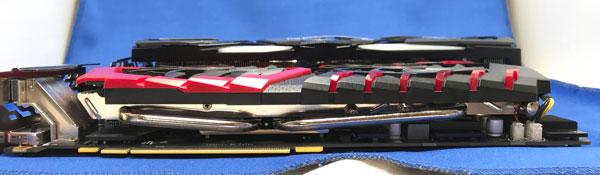 RTX2080とGTX1070の厚さ比較